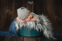 newborn photographer henderson